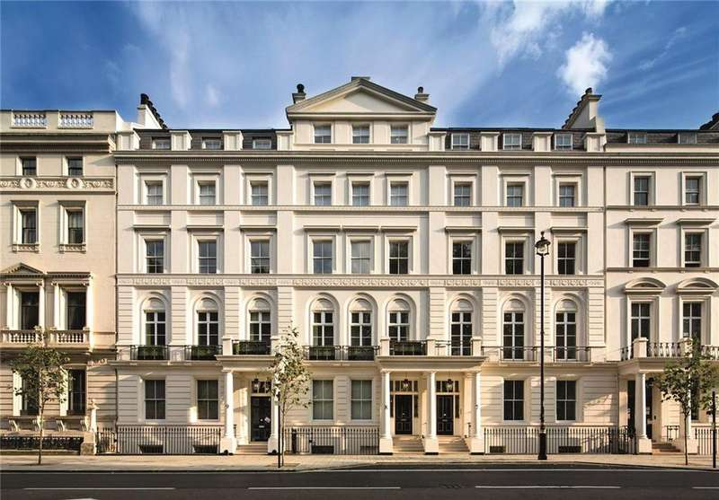 2 Bedrooms Flat for sale in The Buckingham, 8-9 Buckingham Gate, St. James's Park, London, SW1E