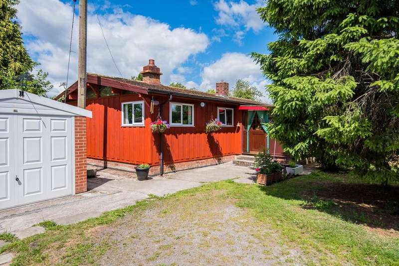 3 Bedrooms Detached Bungalow for sale in Moss End Croft, Brook Lane, Rixton
