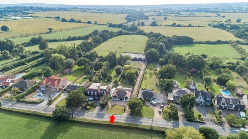 4 Bedrooms Detached House for sale in Church Road, Ramsden Bellhouse, Billericay, Essex, CM11