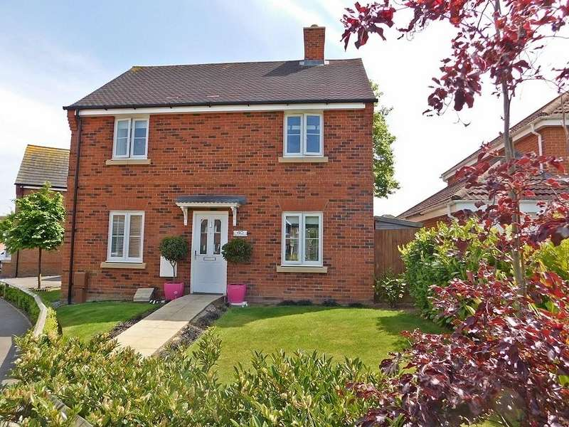 3 Bedrooms Detached House for sale in Bell Davies Road, Hill Head