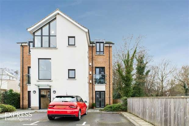 2 Bedrooms Flat for sale in Greenwood Court, Lisburn, County Antrim