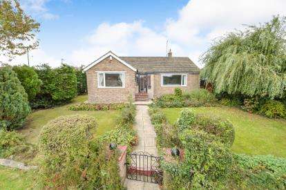 3 Bedrooms Bungalow for sale in Fanacurt Road, Guisborough, North Yorkshire