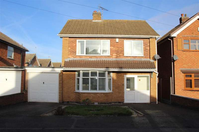 4 Bedrooms Detached House for sale in Cedar Road, Blaby, Leicester