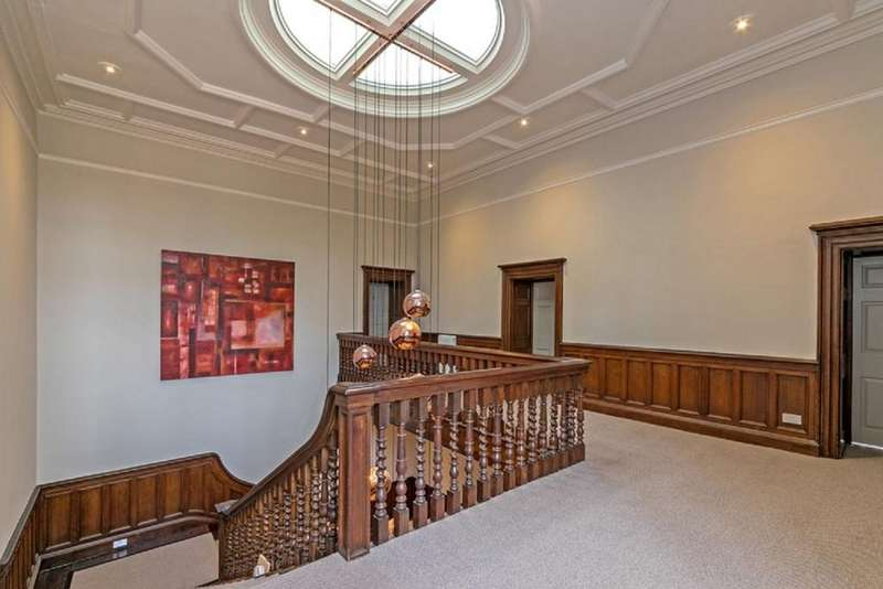 2 Bedrooms Flat for sale in Hamels Mansion