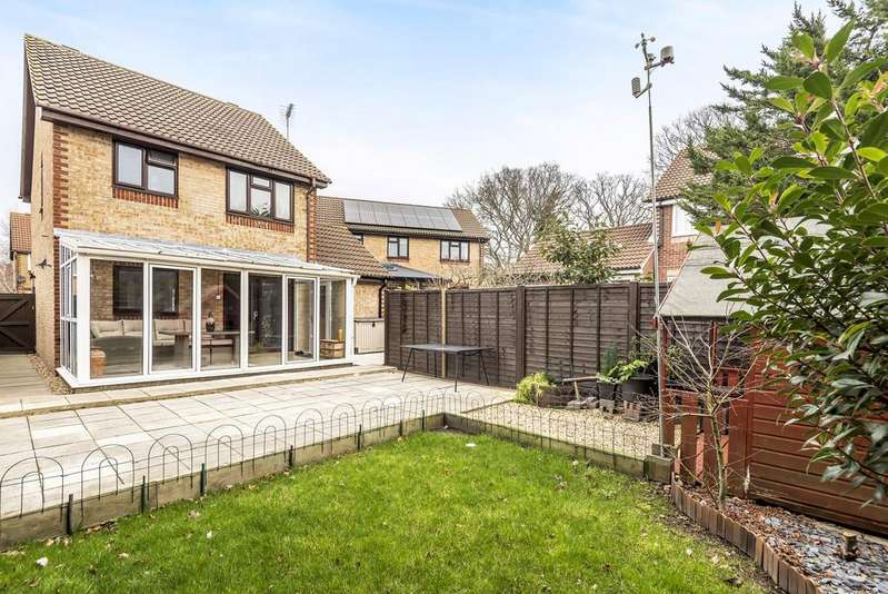 3 Bedrooms Detached House for sale in Netley Common, Southampton