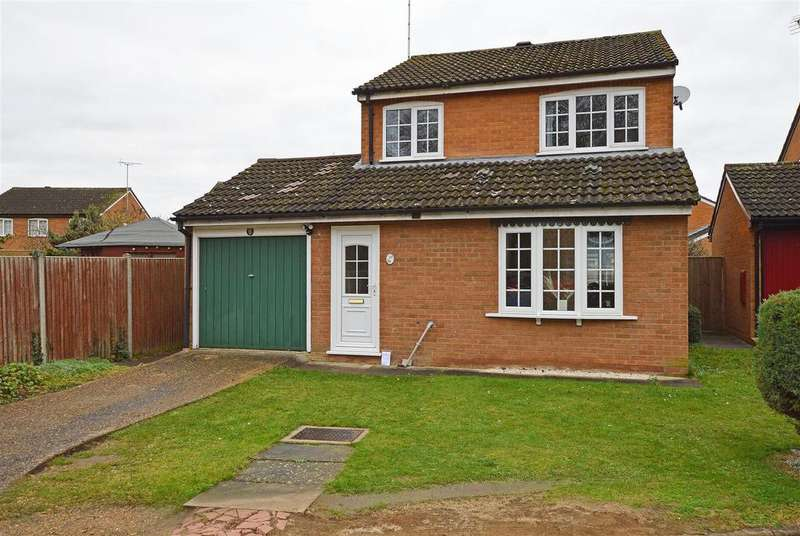 3 Bedrooms Detached House for sale in Dunsberry, Bretton, Peterborough