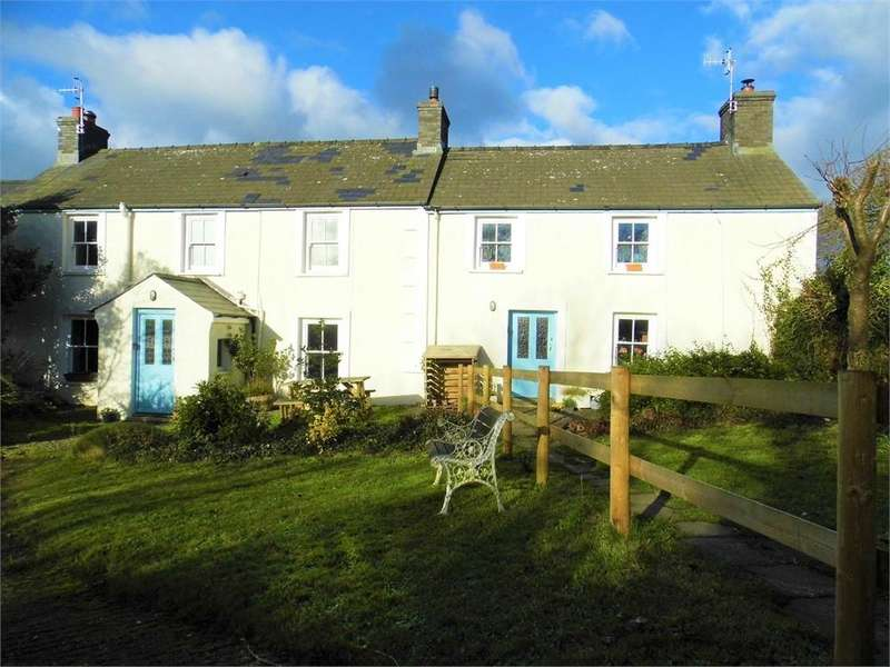 3 Bedrooms Semi Detached House for sale in Trellys-Y-Coed, St Nicholas, Goodwick, Pembrokeshire