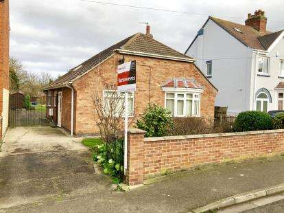 3 Bedrooms Bungalow for sale in Church Lane, Skegness, Lincolnshire