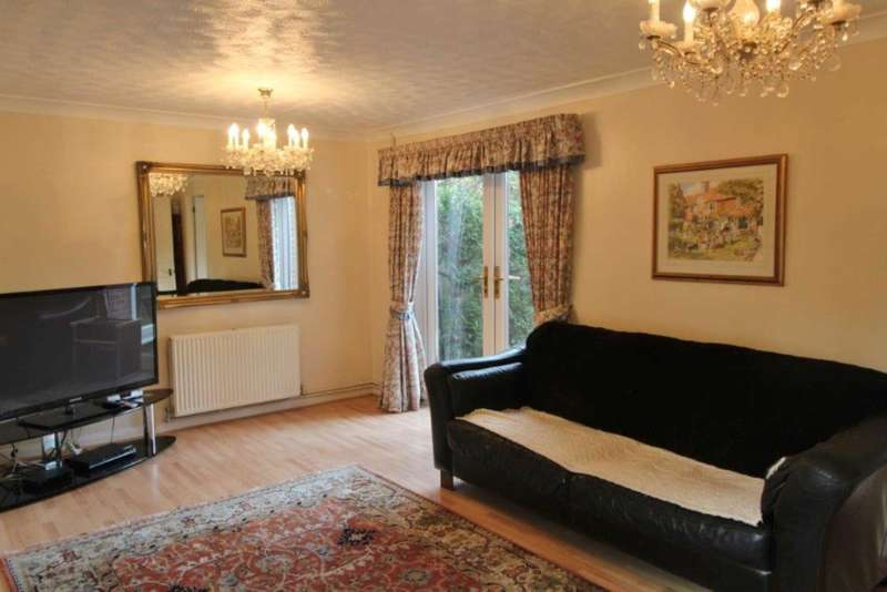 4 Bedrooms Link Detached House for sale in Allhallows Road, London