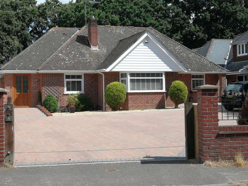 4 Bedrooms Detached Bungalow for sale in Sandy Lane, Poole BH16