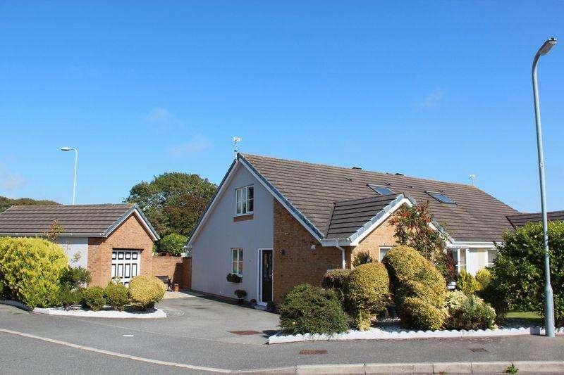 4 Bedrooms Semi Detached Bungalow for sale in Garth Y Felin, Valley