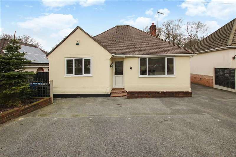 3 Bedrooms Bungalow for sale in Portelet Close, Poole