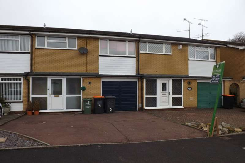 3 Bedrooms Semi Detached House for sale in Leighton Court, Dunstable, LU6