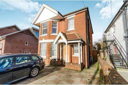 4 Bedrooms Detached House for sale in Upper Shirley, Southampton, Hampshire