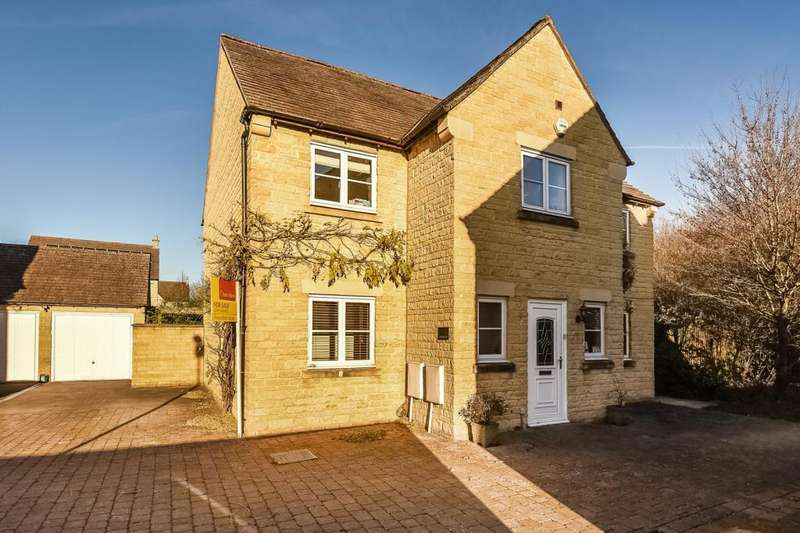 4 Bedrooms Detached House for sale in Laburnum Close, Carterton, OX18