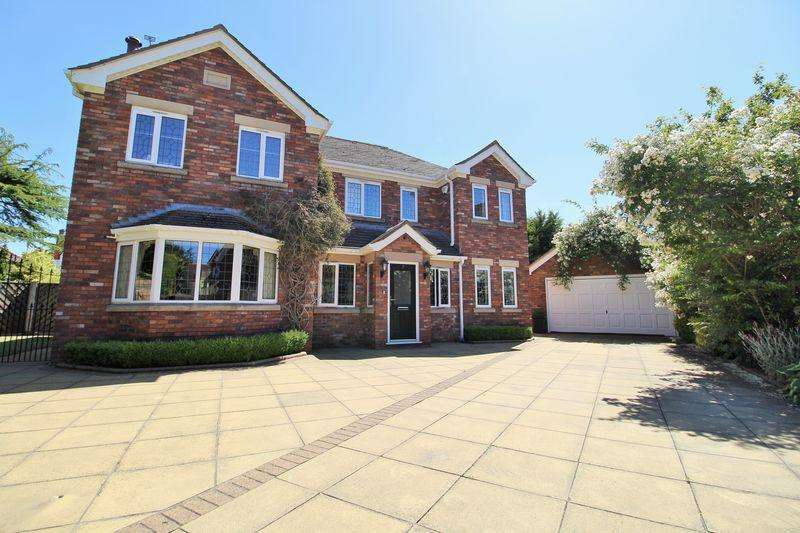 4 Bedrooms Detached House for sale in Hilbre Close, Southport
