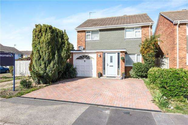 4 Bedrooms Detached House for sale in Aston Mead, Windsor, Berkshire