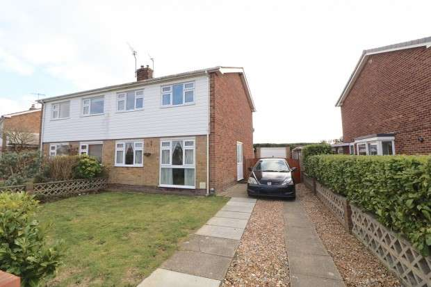 3 Bedrooms Semi Detached House for sale in Ramsay Way, Eastbourne, BN23