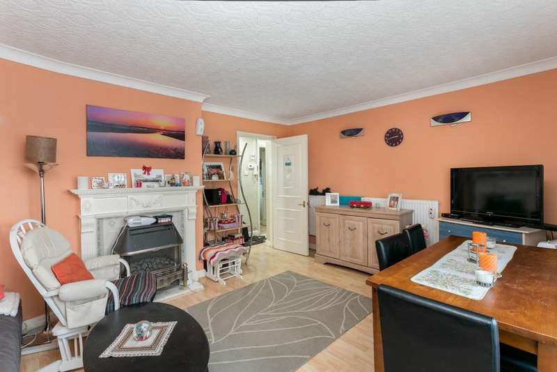 2 Bedrooms Flat for sale in STAFFORD MORRIS HOUSE, STRATFORD, E15