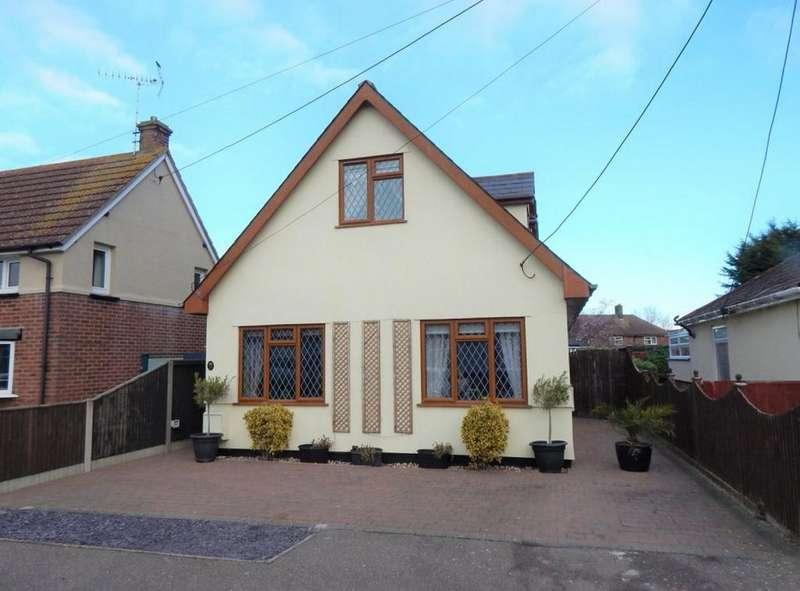 4 Bedrooms Chalet House for sale in LODGE ROAD, LITTLE OAKLEY, HARWICH CO12