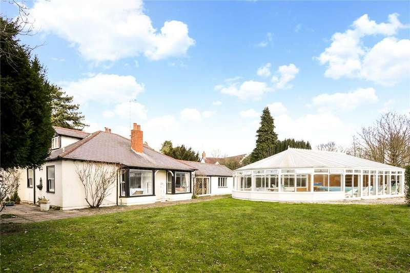 5 Bedrooms Detached Bungalow for sale in Down Hatherley Lane, Down Hatherley, Gloucester, GL2