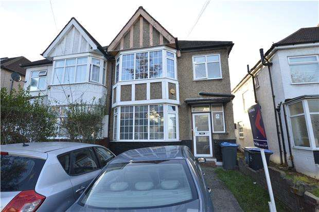 3 Bedrooms Semi Detached House for sale in Evelyn Avenue, LONDON, NW9 0JH