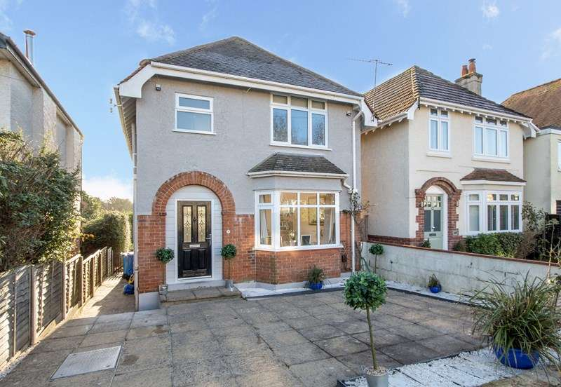3 Bedrooms Detached House for sale in Churchfield Road, Poole Park, Poole