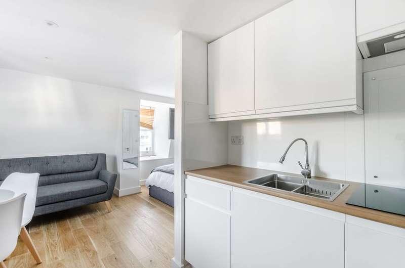 Studio Flat for sale in Coleherne Road, Chelsea, SW10