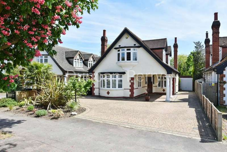 3 Bedrooms Detached House for sale in Baker Street, Potters Bar, Herts