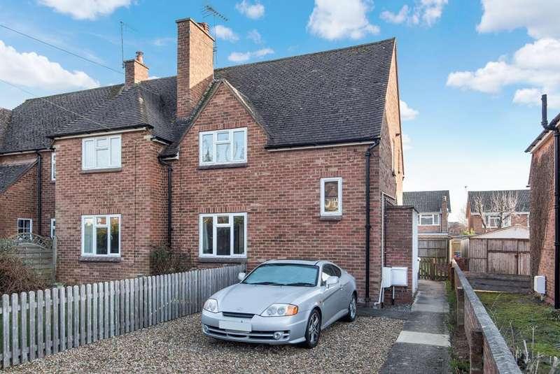 2 Bedrooms Maisonette Flat for sale in Hyde Heath, Buckinghamshire, HP6