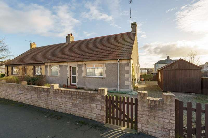 3 Bedrooms Semi Detached Bungalow for sale in 31 George Crescent, Ormiston, EH35 5JE