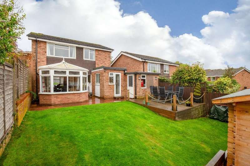 4 Bedrooms Detached House for sale in Aintree Road, Royston
