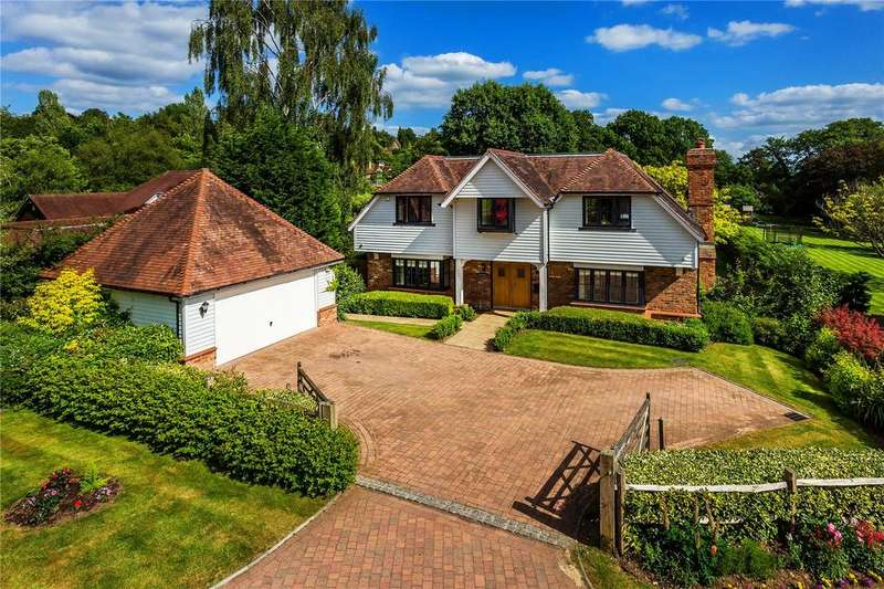 5 Bedrooms Detached House for sale in Wilderness Road, Oxted, Surrey, RH8