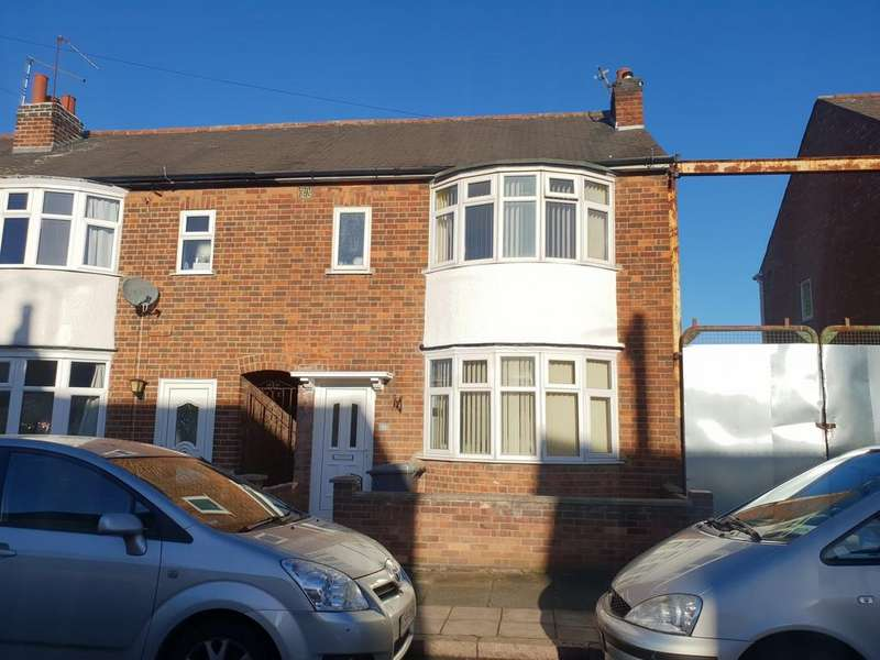 3 Bedrooms Town House for sale in Dunbar Road, Near Gypsy Lane, Leicester