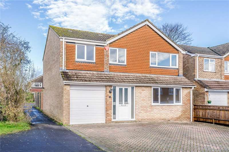 4 Bedrooms Detached House for sale in Lark Close, Basingstoke, Hampshire, RG22