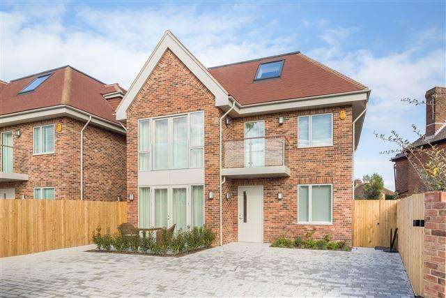 4 Bedrooms Detached House for sale in Tongdean Lane, Brighton