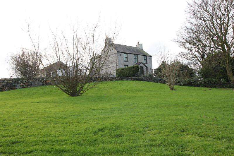 4 Bedrooms Detached House for sale in Rhosybol, Amlwch