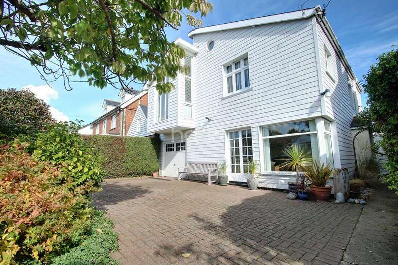 4 Bedrooms Detached House for sale in Beach Road, Mersea, Colchester