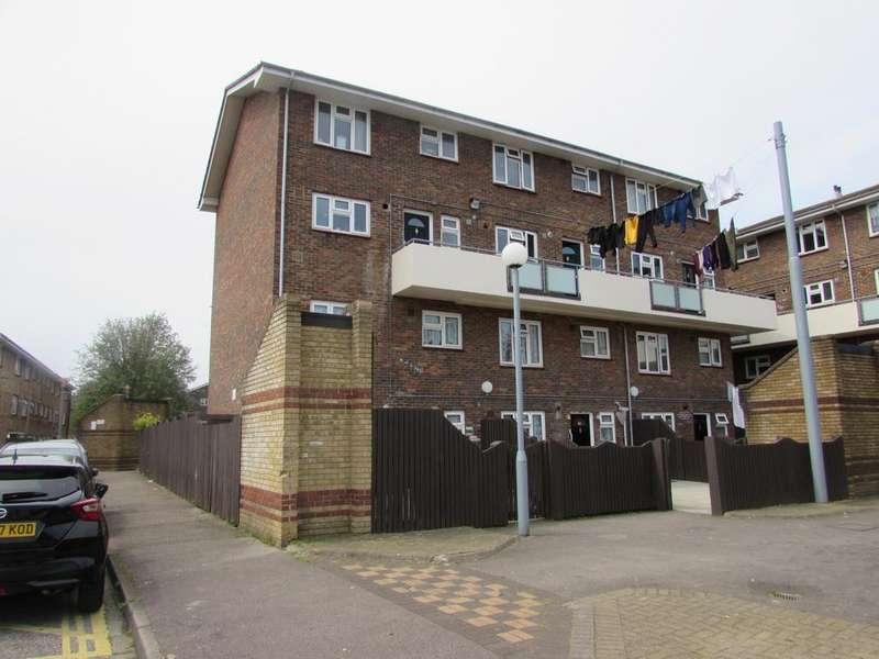 3 Bedrooms Flat for sale in Tupman House, Wingfield Street, Southsea, PO1