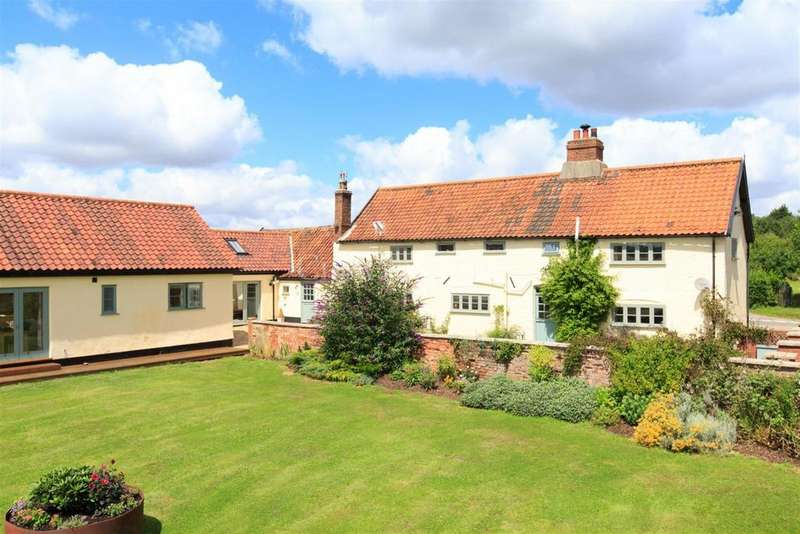 5 Bedrooms Farm House Character Property for sale in Barford near Norwich