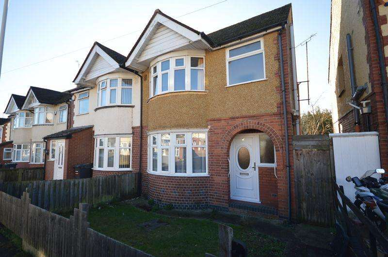 3 Bedrooms Semi Detached House for sale in Grosvenor Road.