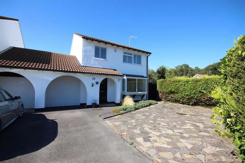 4 Bedrooms Link Detached House for sale in Holywell Close, West Canford Heath, Poole