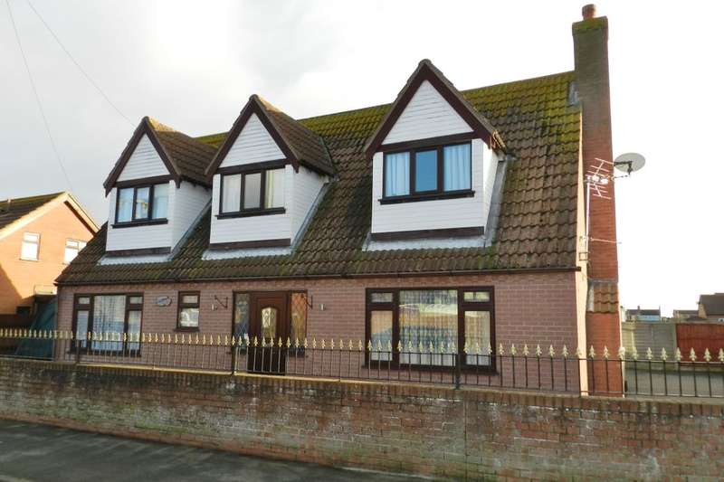 3 Bedrooms Detached House for sale in Links Avenue, Mablethorpe, LN12
