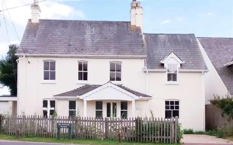4 Bedrooms Detached House for sale in Meerut Road, Brockenhurst