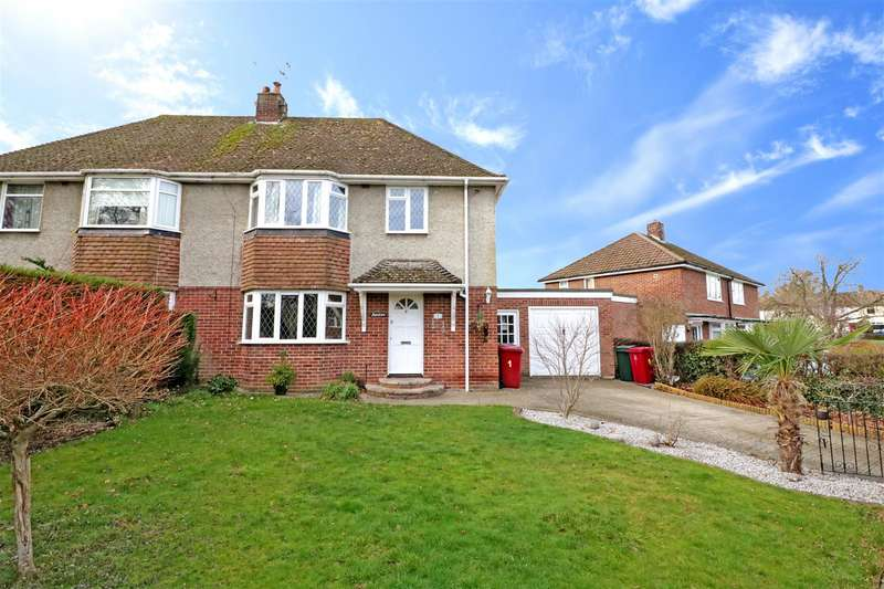 3 Bedrooms Semi Detached House for sale in Holland Road, Tilehurst, Reading