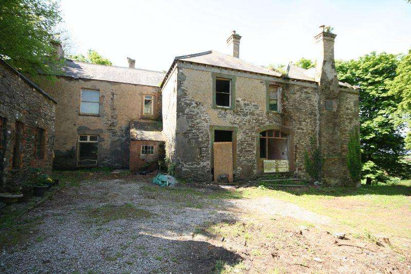 8 Bedrooms Detached House for sale in Carmel, Anglesey