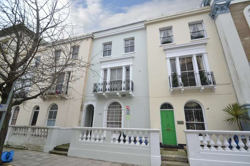 5 Bedrooms Town House for sale in Lind Street, Ryde