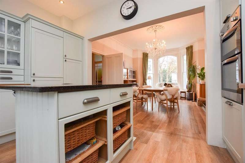 4 Bedrooms Detached House for sale in St. Helens Park Road, Hastings