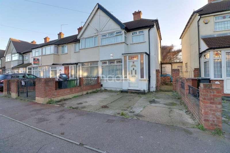 3 Bedrooms End Of Terrace House for sale in School Road, Dagenham