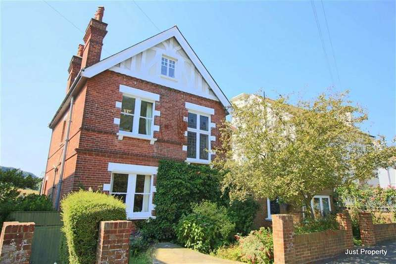 5 Bedrooms Detached House for sale in Godwin Road, Hastings